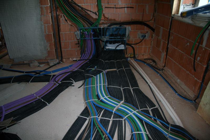 Tubi impianto elettrico termosifoni in ghisa scheda tecnica - Impianto elettrico casa prezzi ...